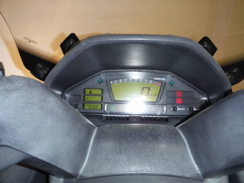 Suzuki-Moto Burgman 650 Executive .