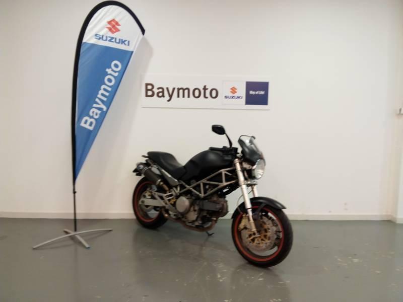 Ducati Monster 695 .