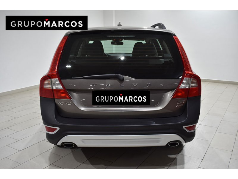 Volvo XC70 2.4 D5 AWD Auto Kinetic