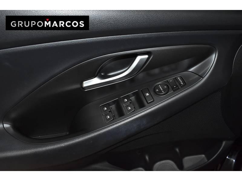 Hyundai i30 1.6 CRDi 81kW (110CV)   LE Klass