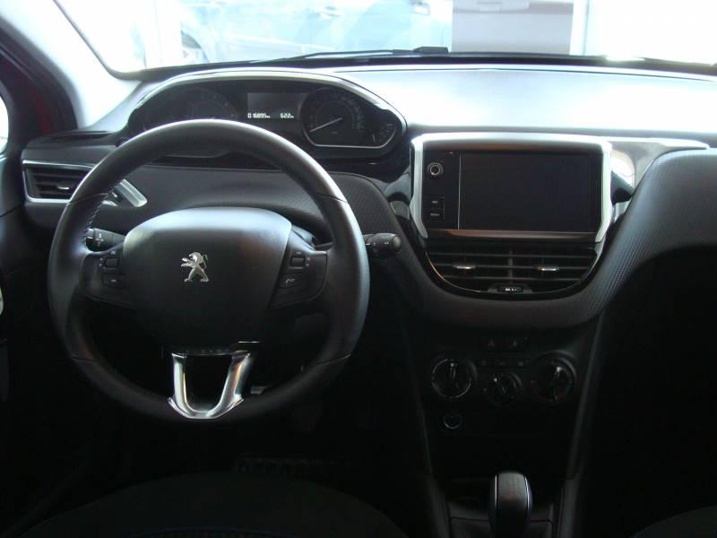 Peugeot 208 5P STYLE 1.2L PureTech 85 Style