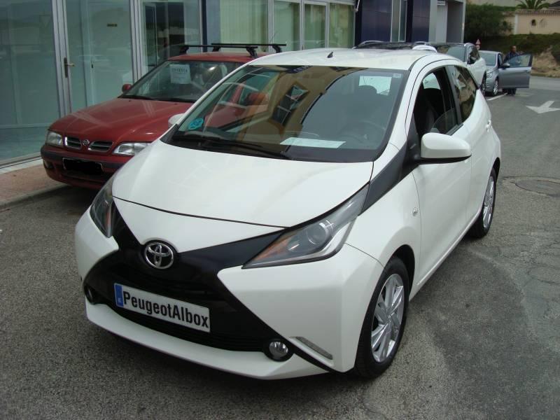Toyota Aygo 1.0      70cv x-play