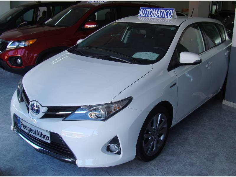 Toyota Auris 1.8 Híbrido Automático Active