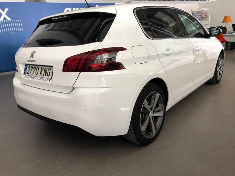 Peugeot 308 5p   1.5 BlueHDi 96KW (130CV) EAT8 Allure