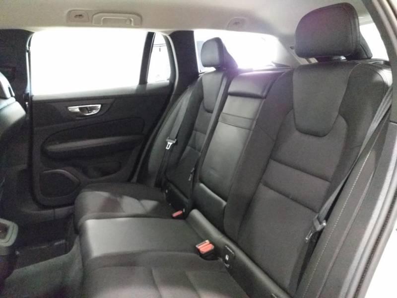 Volvo V60 2.0 D4   Auto Momentum