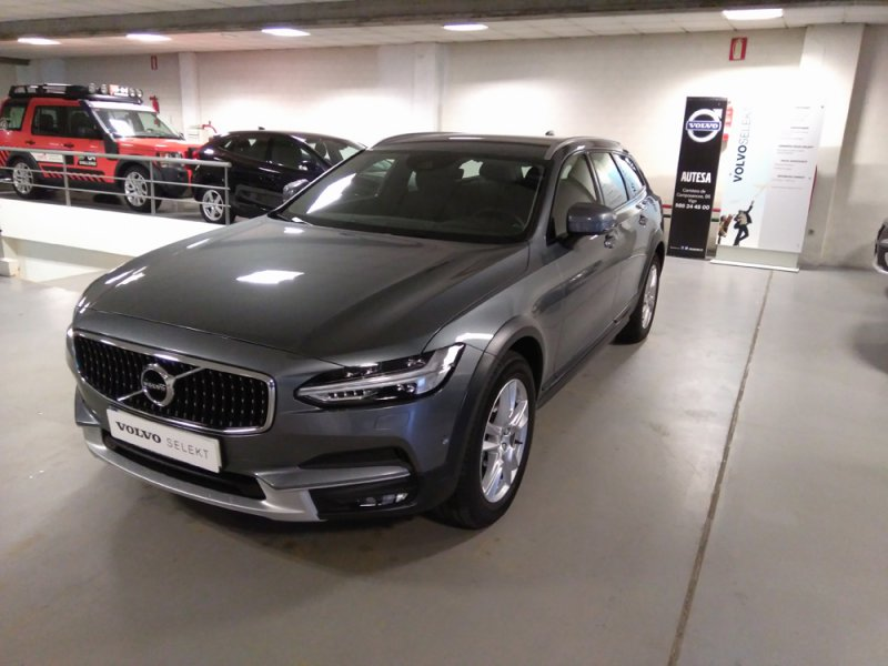 Volvo V90 Cross Country 2.0 D4 AWD Auto -