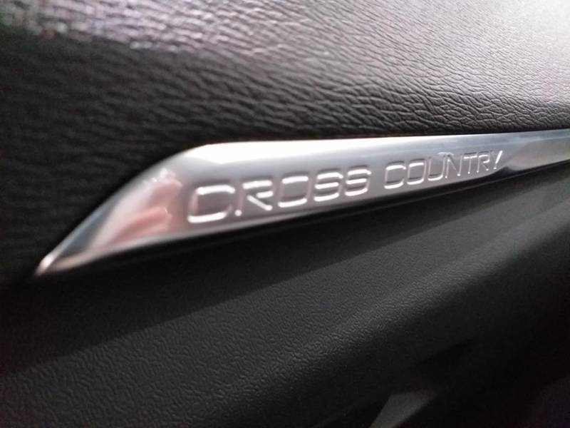 Volvo V40 Cross Country 2.0 D3   Auto Plus