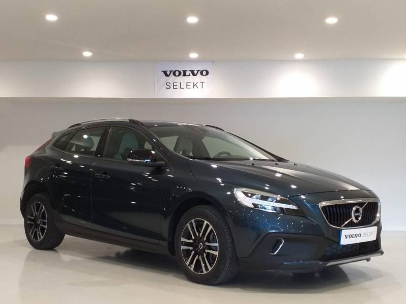 Volvo V40 Cross Country 2.0 D3   Auto Plus