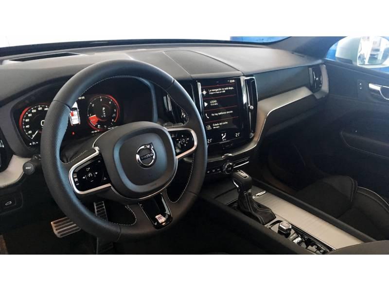 Volvo XC60 2.0 D4 AWD   B Auto R-Design