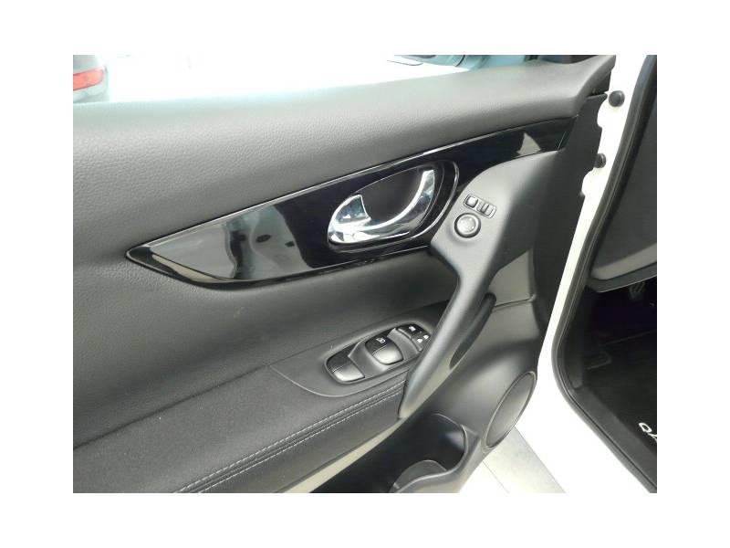Nissan Qashqai 1.6i DIG-T S&S   4X2 Sensores Aparc ACENTA