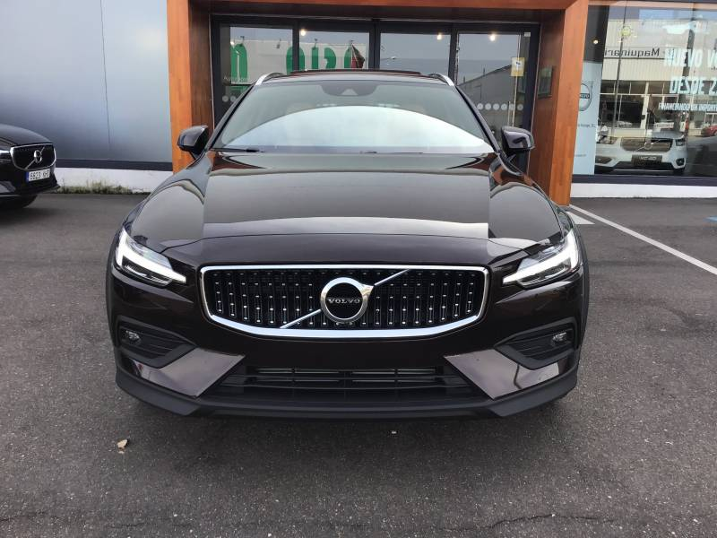 Volvo V60 Cross Country 2.4 D4 AWD   Auto Pro