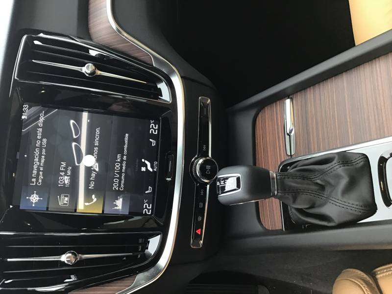 Volvo V60 Cross Country 2.4 D4 AWD   Auto Pro