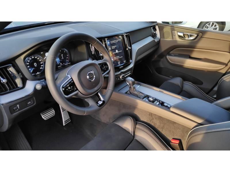 Volvo XC60 2.4 D4 AWD   Auto R-Design Momentum