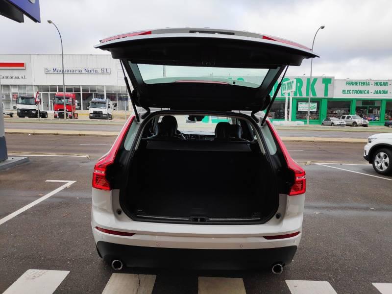 Volvo XC60 2.0 D4   Auto Momentum