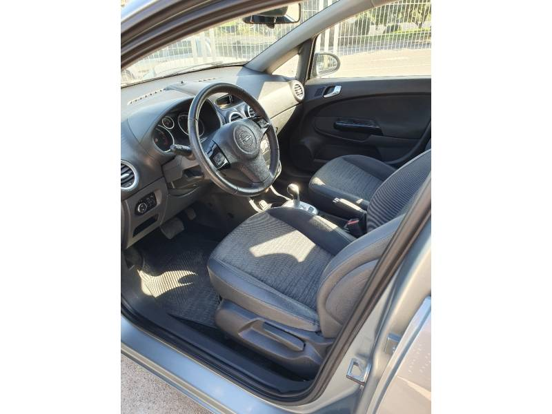 Opel Corsa 1.4 I 90CV AUTOMATICO Excellence