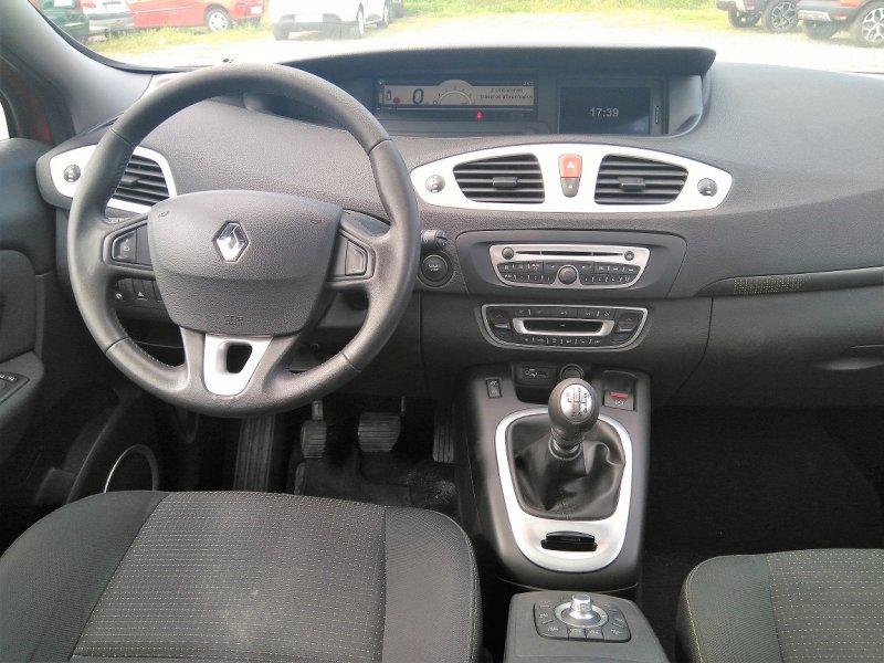Renault Grand Scénic 7 plazas 1.9dCi EU4 Privilege