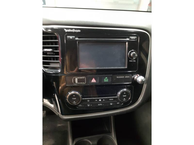 Mitsubishi Outlander 220 DI-D   Auto 4WD Motion