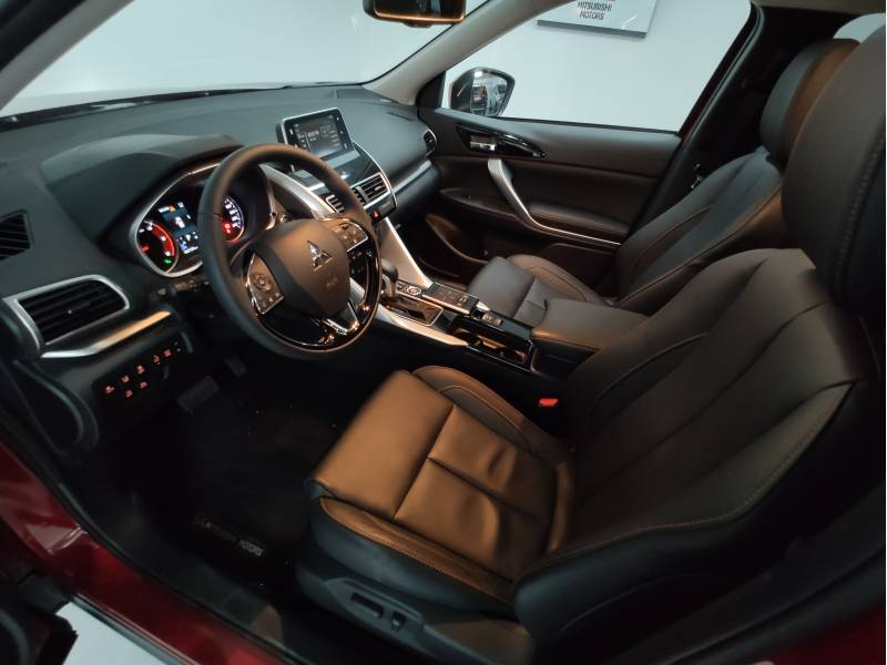 Mitsubishi Eclipse Cross 150T   CVT 4WD Kaiteki