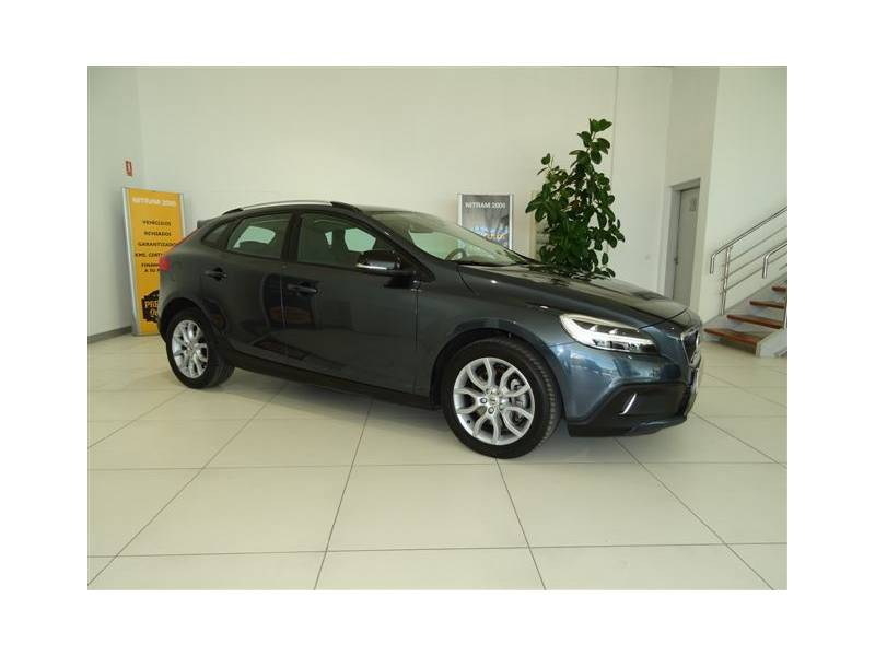 Volvo V40 Cross Country 2.0 D4   Auto Momentum