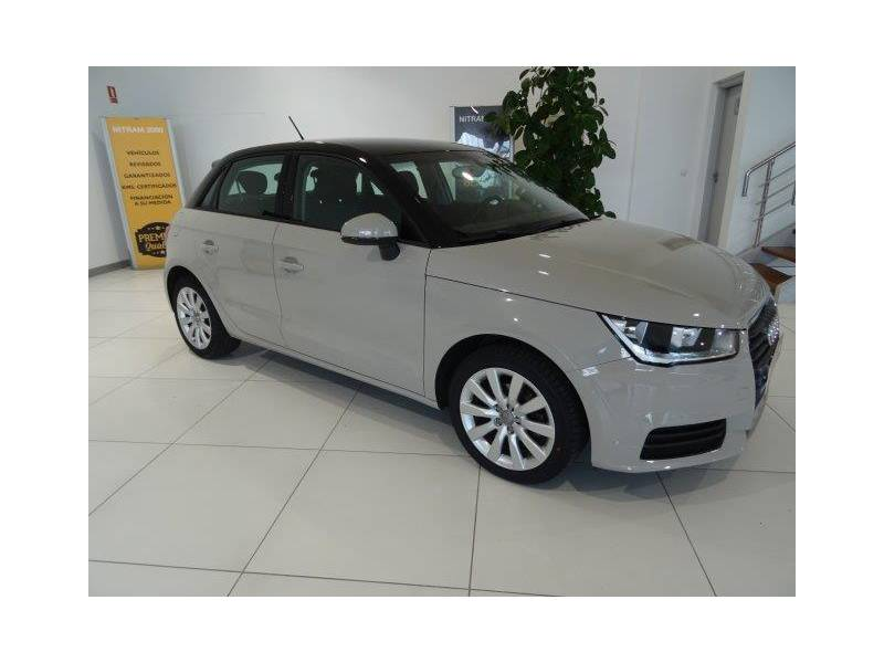 Audi A1 1.4 TDI 66kW (90CV) Sportback Attracted