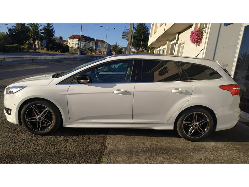 Ford Focus 1.5 TDCi 120cv   Sportbreak Titanium