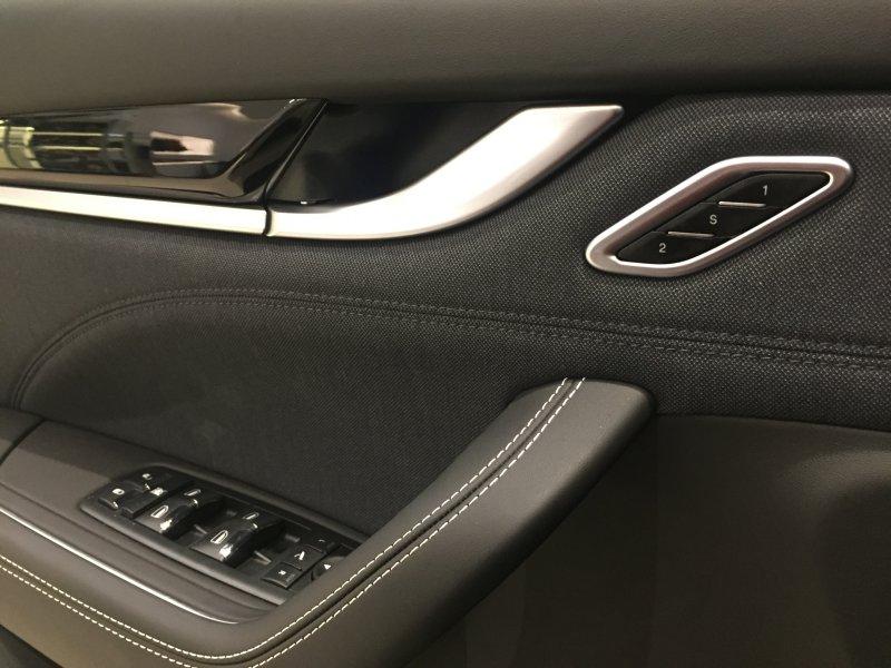 Maserati Levante V6 275 HP D AWD GranLusso