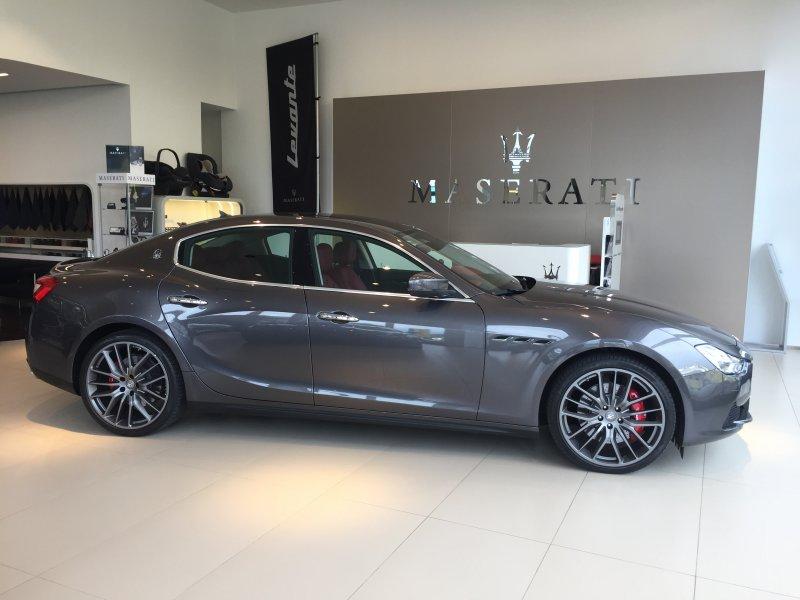 Maserati Ghibli V6 275 HP D RWD -