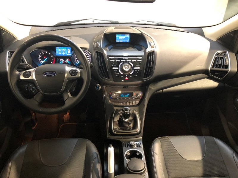 Ford Kuga 1.6 EcoBoost 150 A-S-S 4x2 Titanium