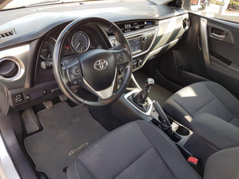 Toyota Auris 1.4 D-4D DPF Confortdrive Active