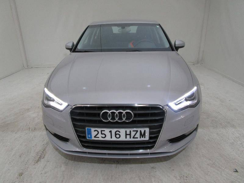 Audi A3 Sedan 1.6 TDI 110cv clean d Attracted