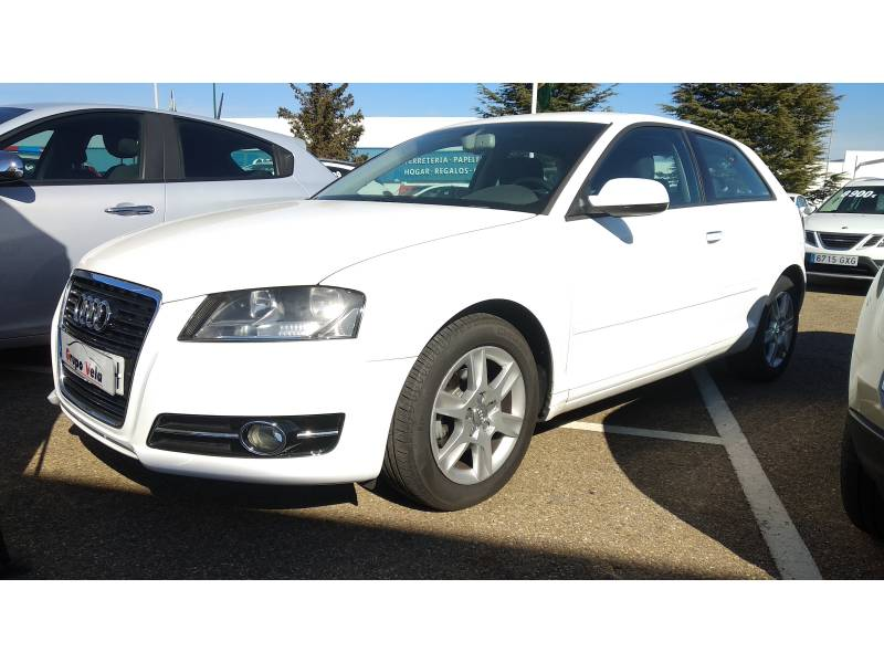 Audi A3 1.6 TDI 105cv Attraction
