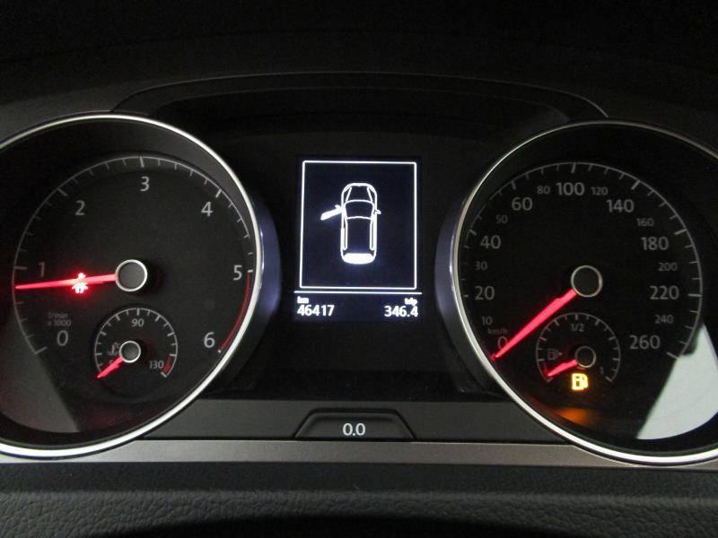 Volkswagen Golf 1.6 TDI 110cv Bluemotion Business & Navi