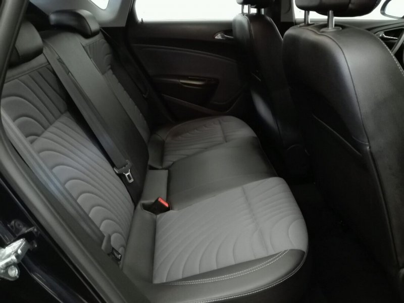 Opel Astra 1.6 CDTi S/S 136 CV Excellence