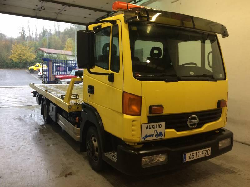 Nissan Atleon 150 CV Carrocería rescate vehículos