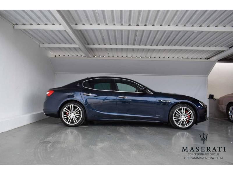 Maserati Ghibli V6 350 HP RWD Granlusso