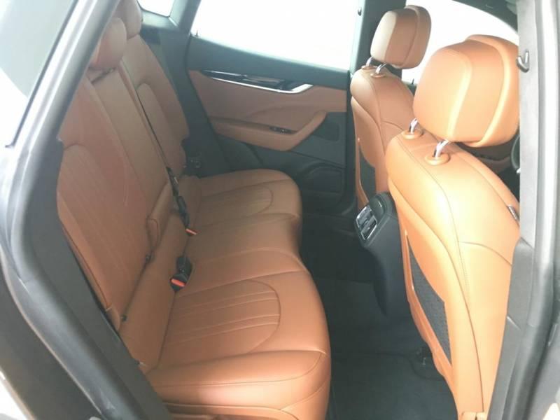 Maserati Levante V6 350 HP AWD -