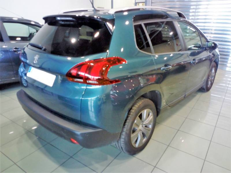 Peugeot 2008 1.2  PURE TECH 82CV Style