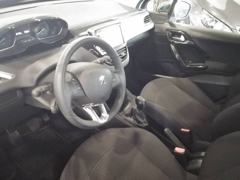 Peugeot 208 1.2  PURE TECH 82CV Style