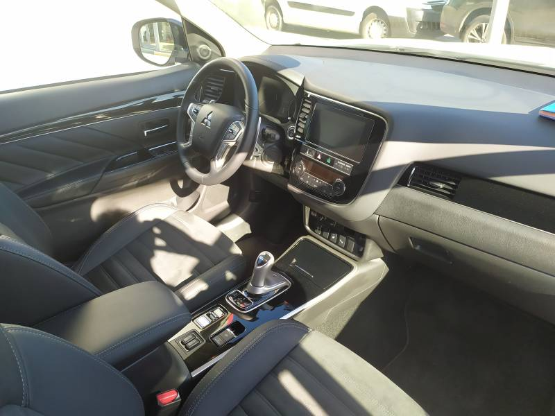 Mitsubishi Outlander 2.4 PHEV   Auto 4WD MY19.5 Kaiteki
