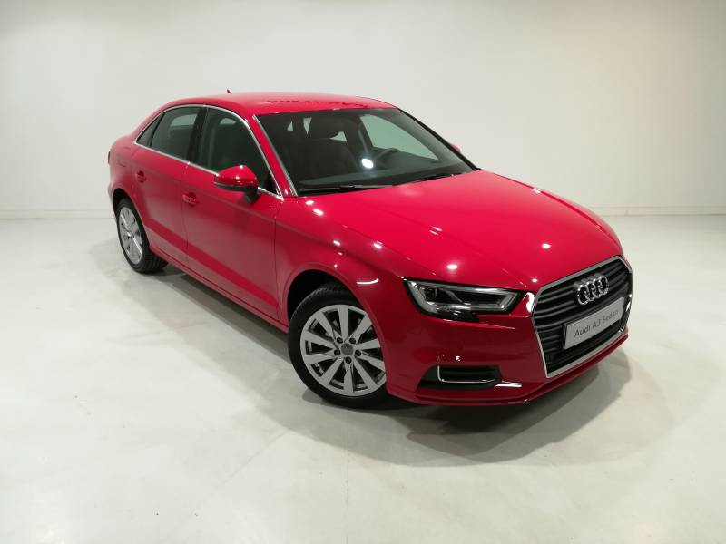 Audi A3 Sedán Desing Edition  1.6 TDI 116CV  6 Vel Man