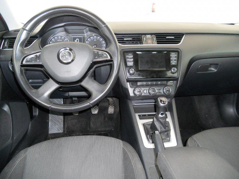 Skoda Octavia Combi 2.0 TDI CR 150cv 4x4 Elegance