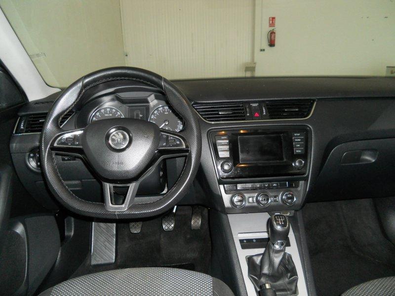 Skoda Octavia Combi 1.6 TDI CR 105cv Ambition