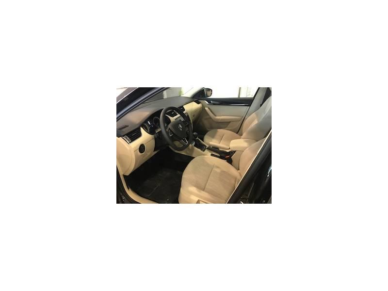 Skoda Octavia Combi 1.6 TDI 85KW (115CV) Style- PRECIO FINANCIACIADO CON VW FINANCE + AMPLIACION DE GARANTIA Y MANTENIMIENTO INCLUIDO POR 24 MESES