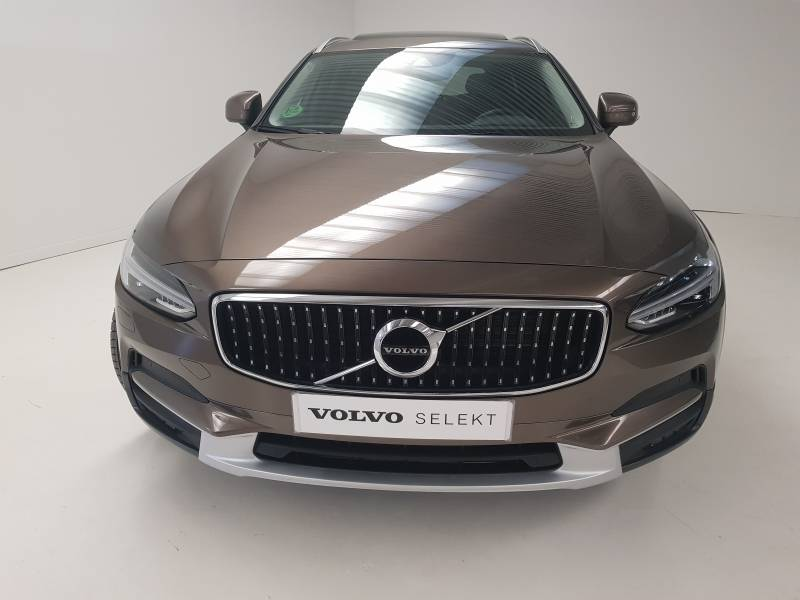Volvo V90 Cross Country 2.0 D4 AWD   Auto Pro