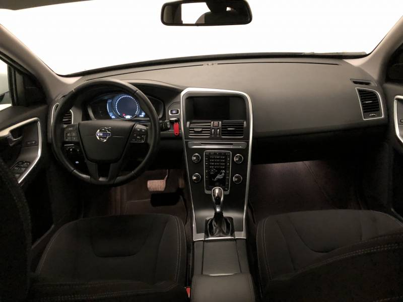 Volvo XC60 2.0 D3   Auto Kinetic