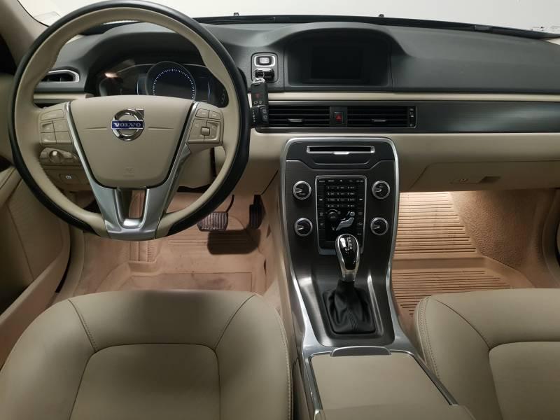 Volvo XC70 2.0 D4   Auto Momentum