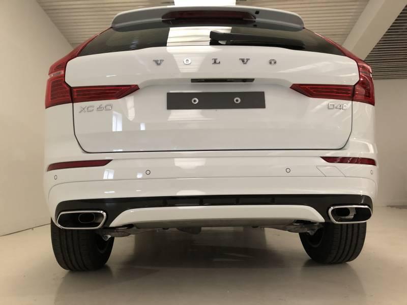 Volvo XC60 2.0 D4   Auto R-Design