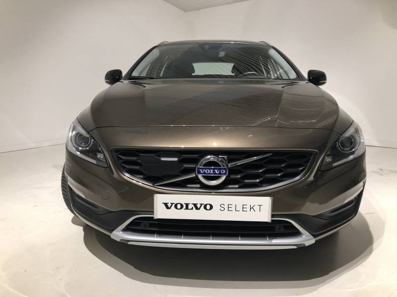 Volvo V60 Cross Country 2.0 D4   Auto Momentum