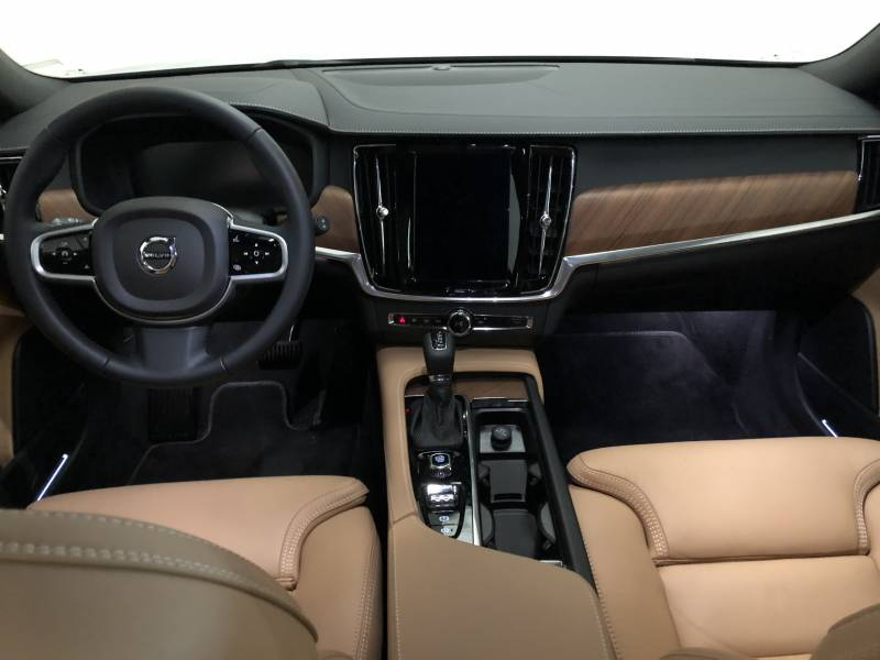 Volvo V90 2.0 D4   Auto Inscription