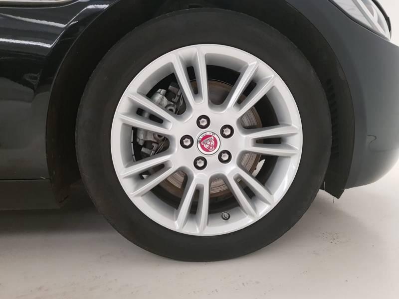 Jaguar XE 2.0 Diesel 132kW   Auto AWD Prestige